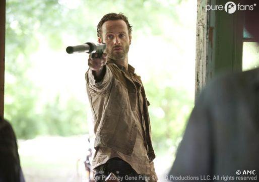 Rick toujours en avant dans les nouveaux teasers de la saison 3 de Walking Dead.