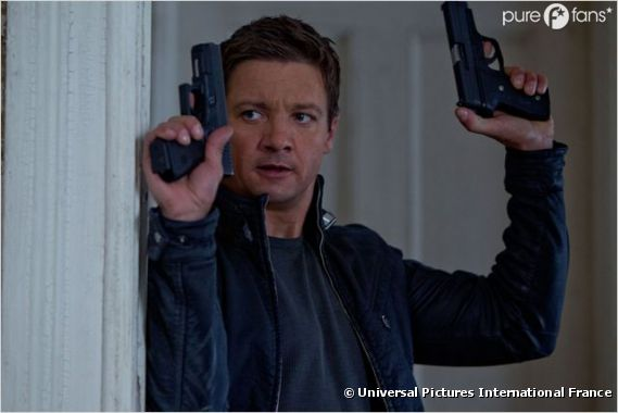 Jeremy Renner aussi fort que Matt Damon ?