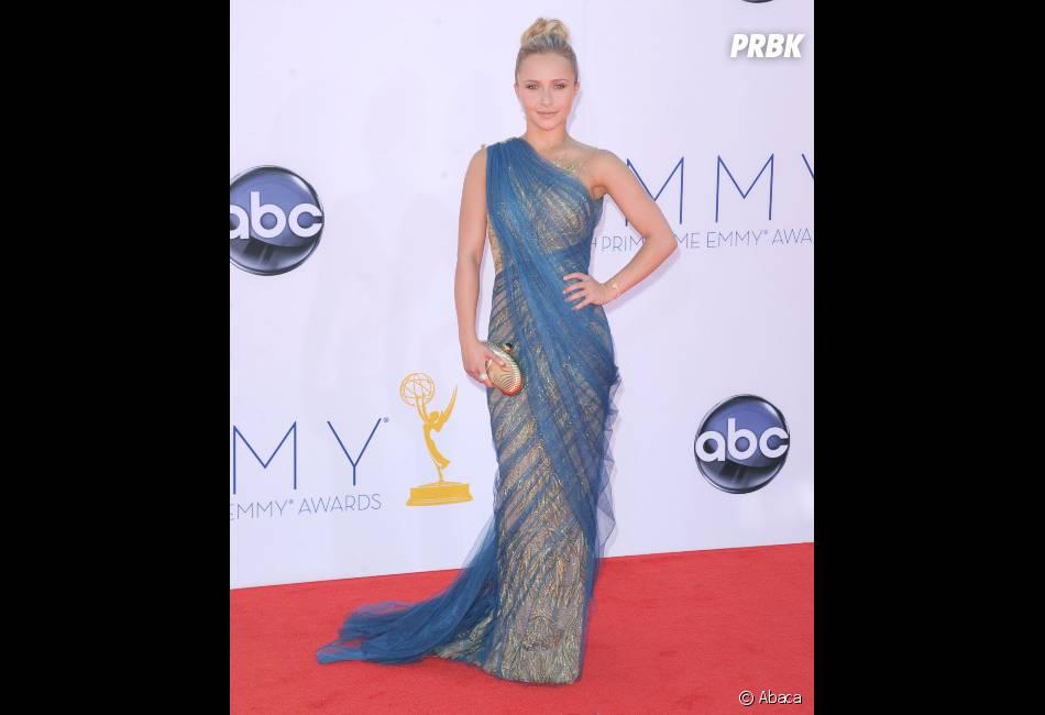 Hayden Panettiere a étonné sur le tapis rouge des Emmy Awards 2012