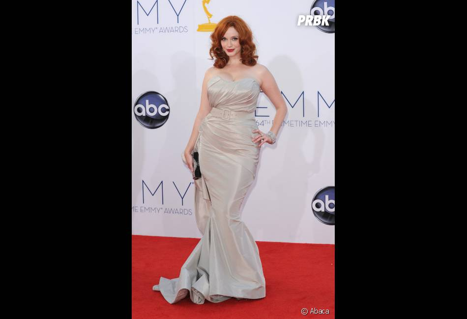 Christina Hendricks a surpris aux Emmy Awards 2012 !