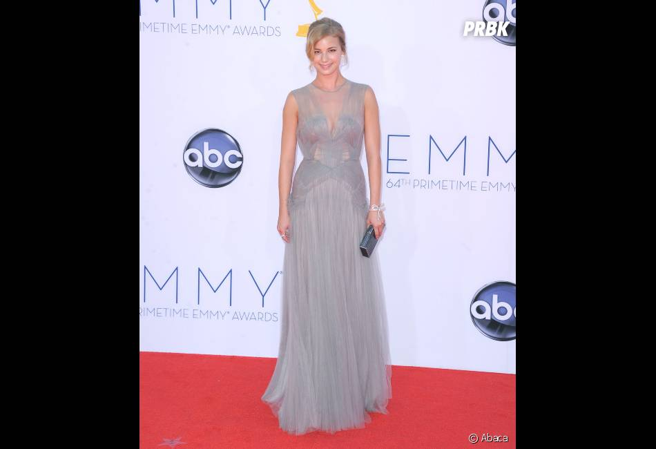 La star de Revenge aux Emmy Awards 2012 !