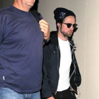 Robert Pattinson : seul et déprimé pour la promo de Twilight 5 ! (PHOTOS)