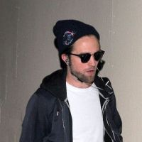 Robert Pattinson : seul et déprimé pour la promo de Twilight 5 ! (PHOTOS)