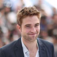 Robert Pattinson : stressé par Twilight, il se fait masser les fesses !