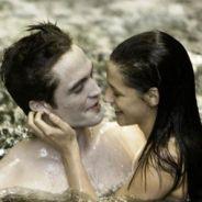 Twilight 4 partie 2 : Robert Pattinson ne voyait et ne ressentait rien pendant la scène de sexe avec Kristen Stewart