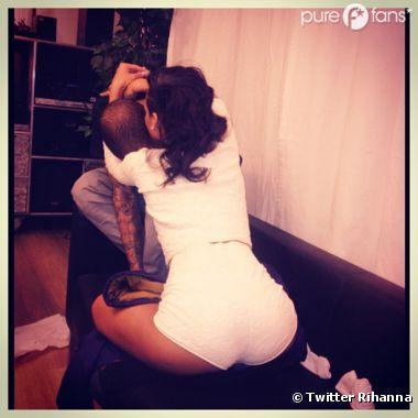 Rihanna et Chris Brown : La photo sexy et intime dévoilée sur Twitter !