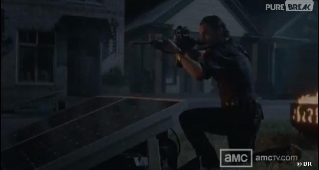 Rick en pleine action dans The Walking Dead