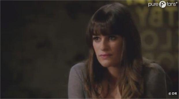 Rachel reçoit une invitation dans Glee !
