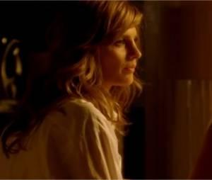 Castle et Beckett au réveil dans la première scène de la saison 5