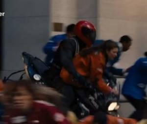 D'où sortent les motos dans cette séquence de Batman ?