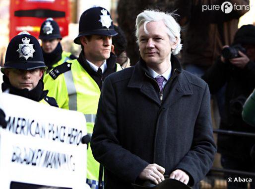 Julian Assange critique le film sur Wikileaks