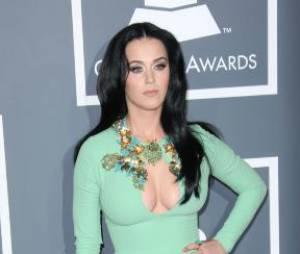 Katy Perry a misé sur un beau décolleté pour les Grammy Awards 2013
