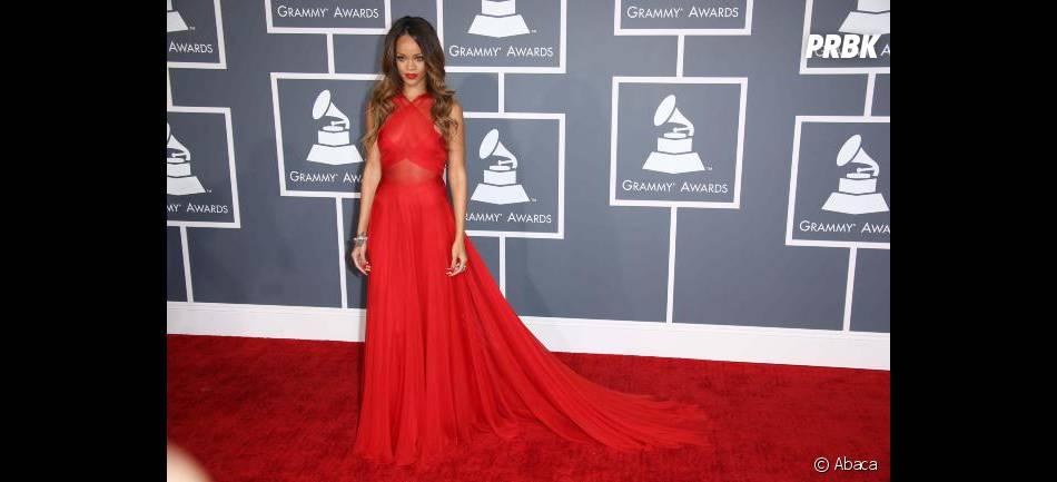 Pourtant, Rihanna est restée sage sur le tapis rouge des Grammy Awards 2013