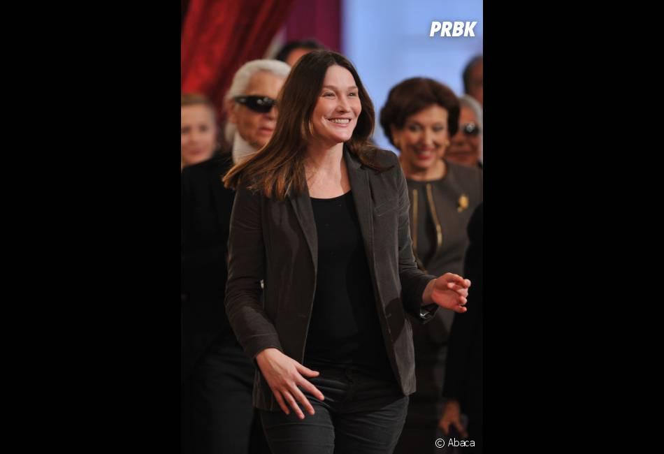 Carla Bruni-Sarkozy la joue simple pour son retour