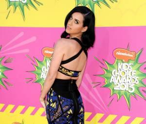 Katy Perry dévoile ses formes de rêve aux KCA 2013