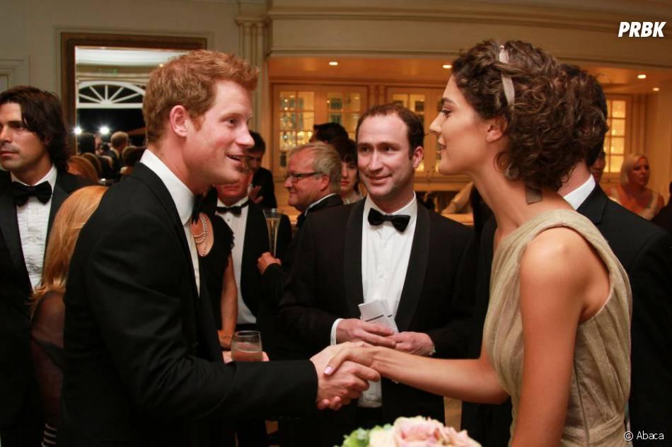 Avant d'accompagner Harry dans des soirées officielles, Cressida Bonas devra apprendre le protocole