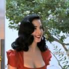 Les Anges de la télé-réalité 5 : visite surprise de Dita Von Teese, Capucine en admiration