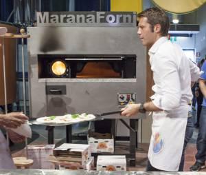 Le Prince Emmanuel Philibert de Savoie sur le tournage de sa prochaine émission au Championnat du monde de la pizza, le 17 avril 2013 à Parme