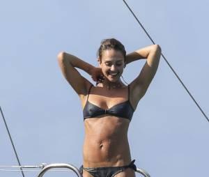 Jessica Alba a porté un double corset pendant trois mois pour avoir ce corps de rêve