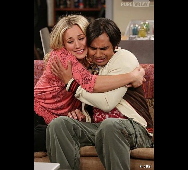 Raj et Penny en train de pleurer dans The Big Bang Theory