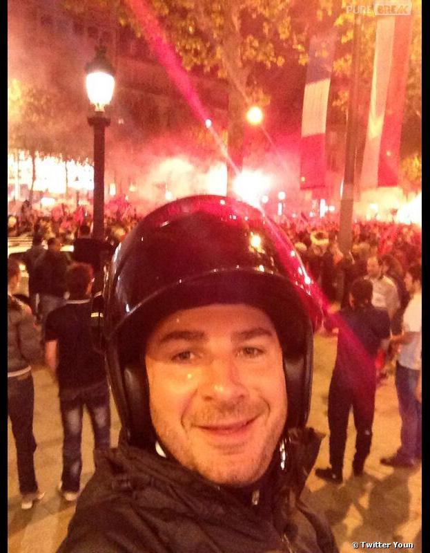 Michaël Youn a fêté le titre du PSG sur les Champs Elysées