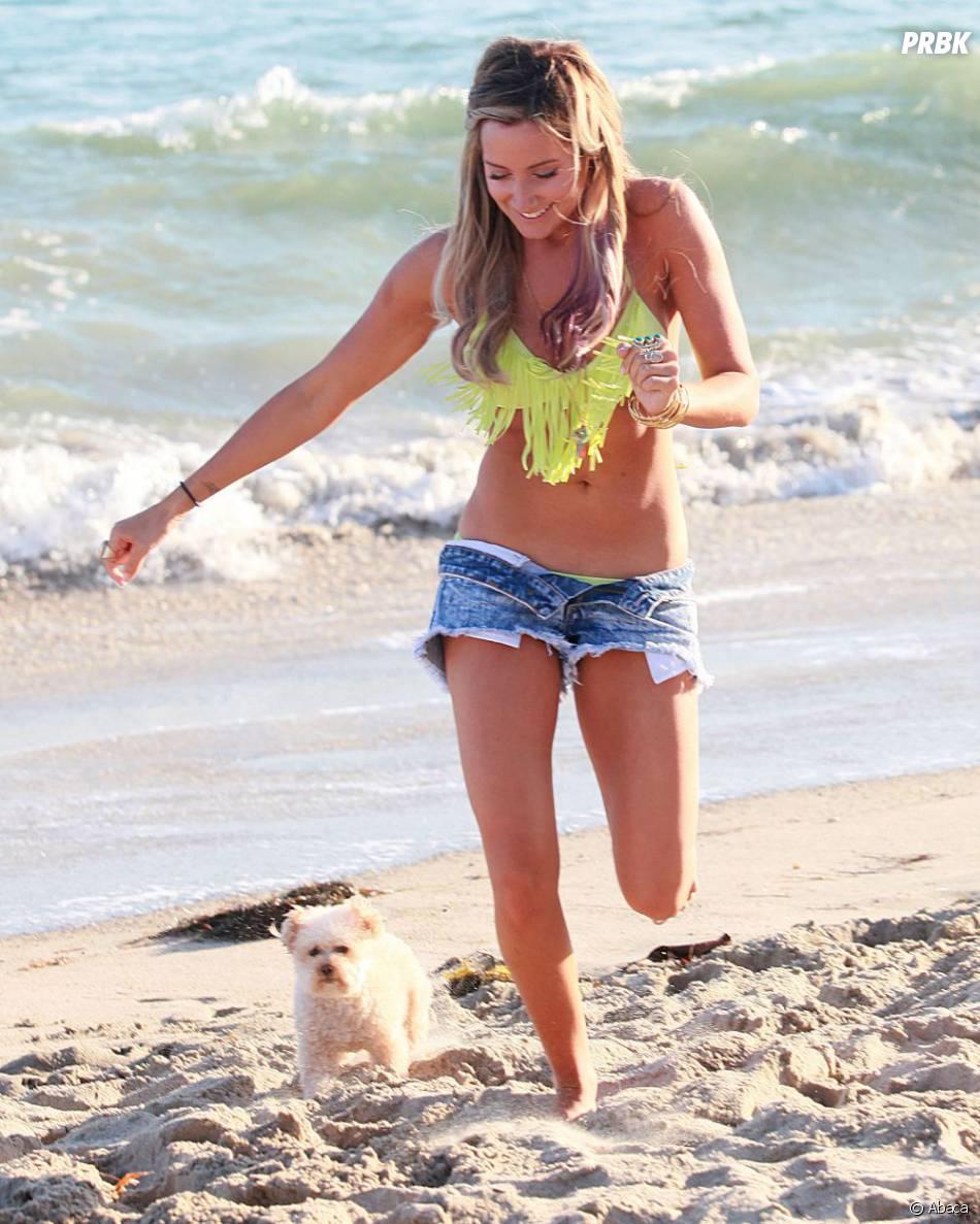 Ashley Tisdale rend fou un internaute