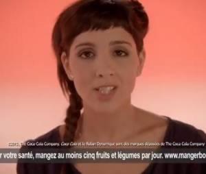 Naoëlle D'Hainaut est peu convaincante dans la pub pour Coca-Cola.