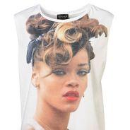 Rihanna VS Topshop : sa tête sur un t-shirt ? C'est 5 millions de dollars !