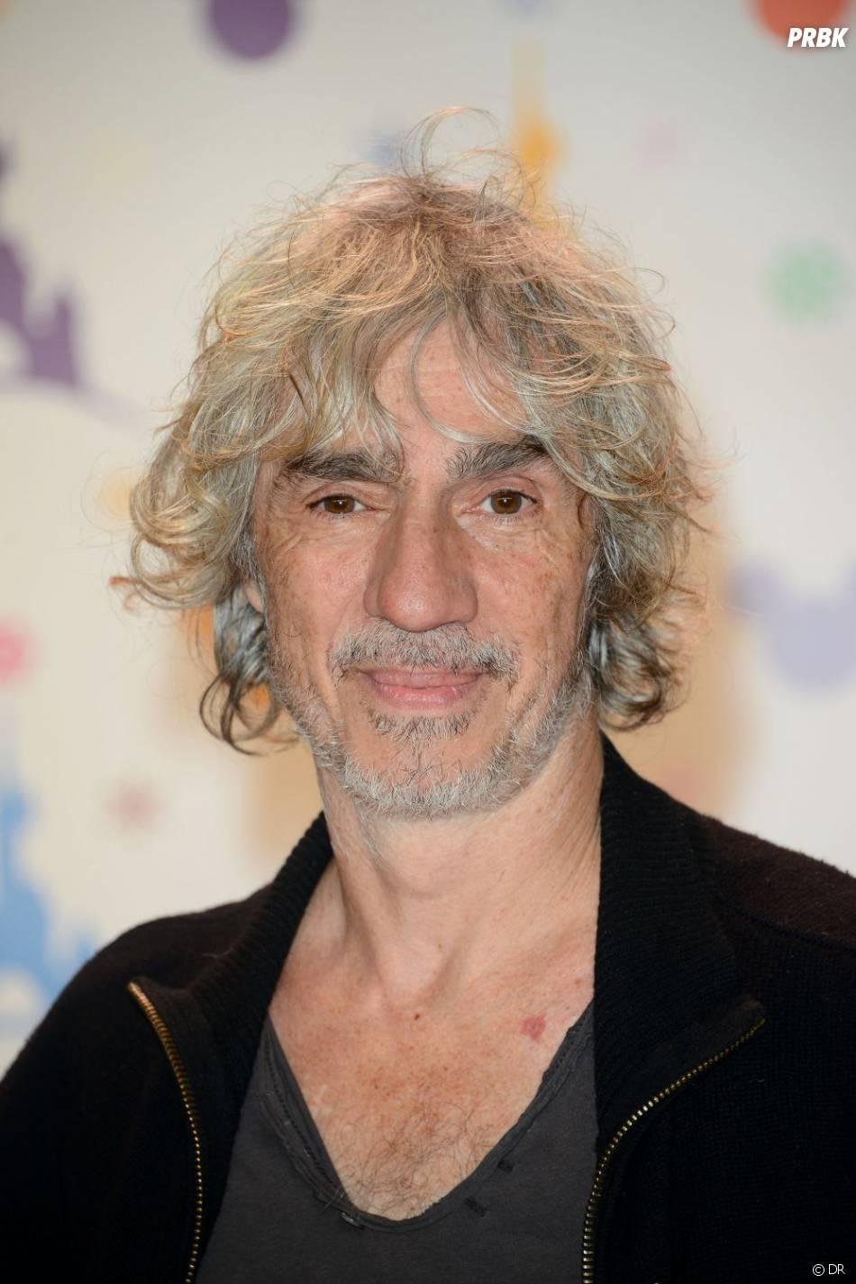 Louis Bertignac a été vivement critiqué sur Twitter pour avoir éliminé Nungan dans The Voice.