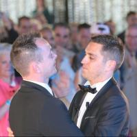 "Premier mariage gay en France : 5 ""anti"" interpellés"