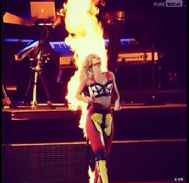 "Rihanna ""on fire"""
