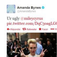"""Miley Cyrus : Amanda Bynes la traite de """"moche"""" sur Twitter"""