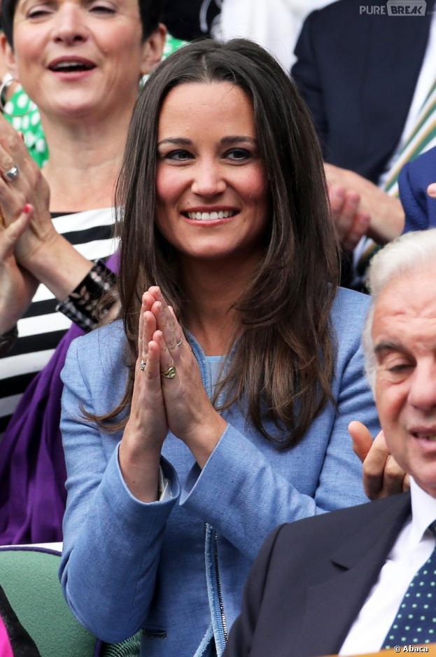 Pippa Middleton tout sourire pendant le 1er jour de Wimbledon 2013