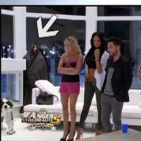 Les Anges de la télé-réalité 5 : Le mystérieux intrus camouflé était un candidat !