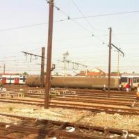 """Brétigny-sur-Orge : un train déraille et fait de """"nombreuses victimes"""" près de Paris"""