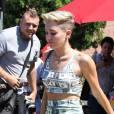 Miley Cyrus : nouveau fail vestimentaire avec sa tenue façon dollars américains