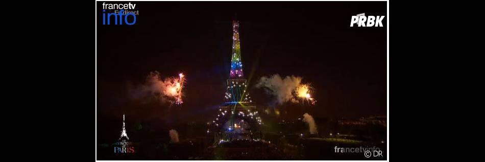 La Tour Eiffel s'est illuminée aux couleurs du drapeau gay