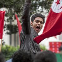 Tunisie : manifestations de colère et vols annulés après l'assassinat de Mohamed Brahmi