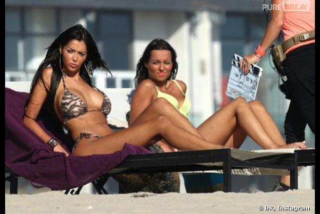 Nabilla Benattia sur le tournage d'Hollywood Girls 3 à Los Angeles avec Laura Coll.