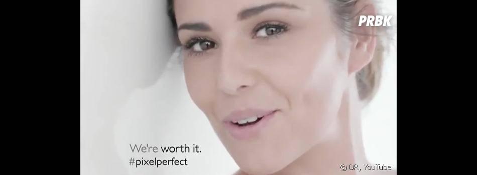 Cheryl Cole sans maquillage dans une publicité pour le soin perfecteur de L'Oréal.