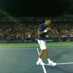 Novak Djokovic : danse de la joie au son de Get Lucky des Daft Punk sur le terrain