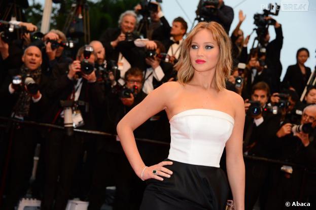 Jennifer Lawrence : elle se moque de sa rupture avec Nicholas Hoult dans Vogue