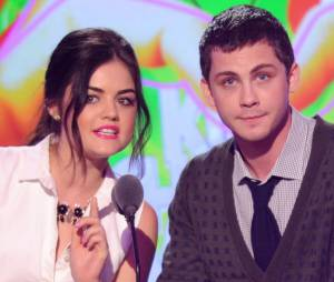 Lucy Hale et Logan Lerman aux Kids Choice Awards 2013