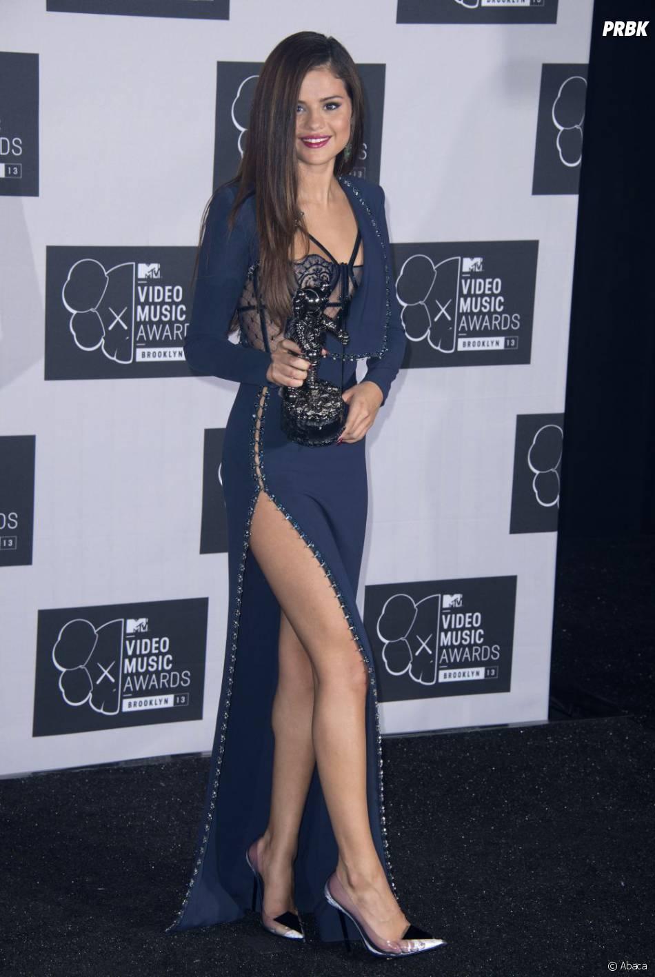 Selena Gomez remporte le prix de meilleur clip pop aux MTV VMA 2013 le 25 août 2013