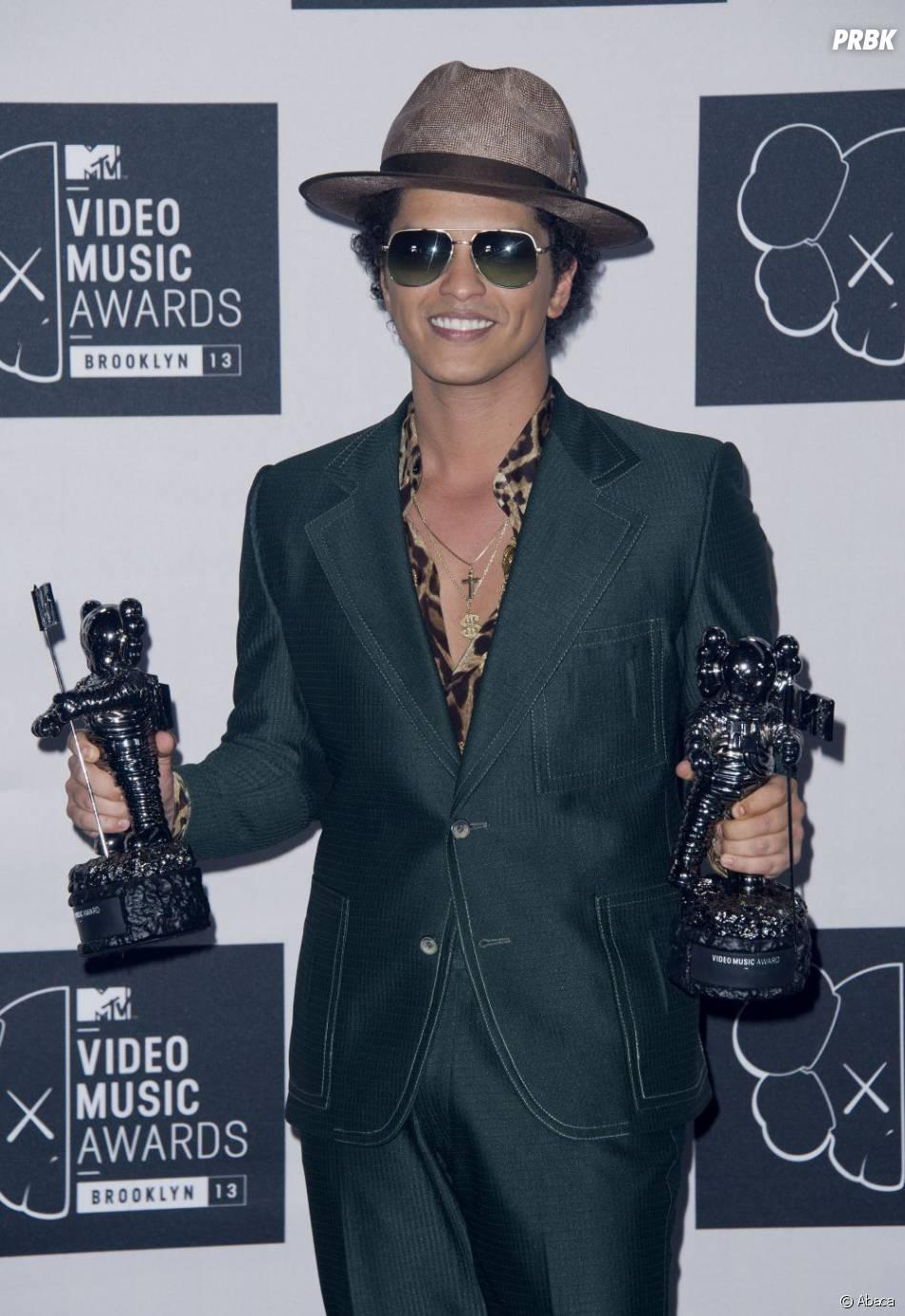 Bruno Mars remporte deux prix aux MTV VMA 2013 le 25 août 2013