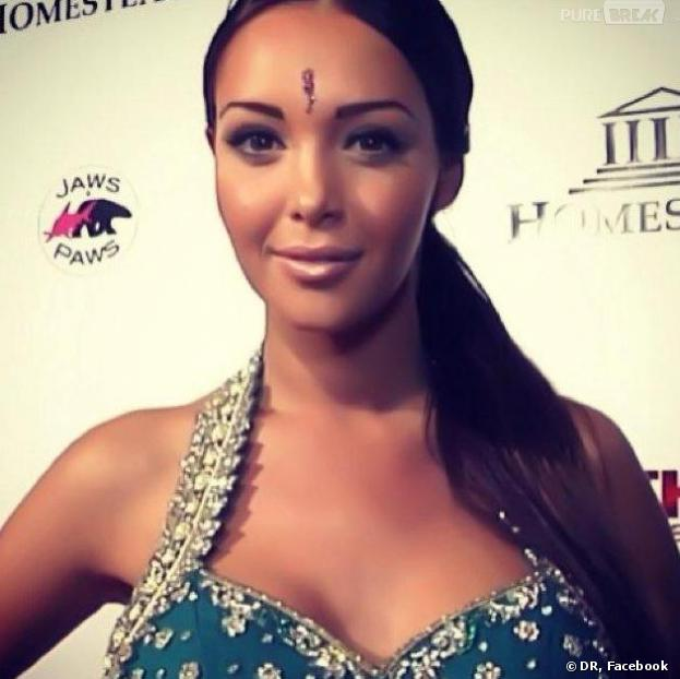 Nabilla Benattia en mode Bollywood sur Facebook.