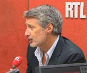 Le Grand Journal : Antoine de Caunes à la présentation