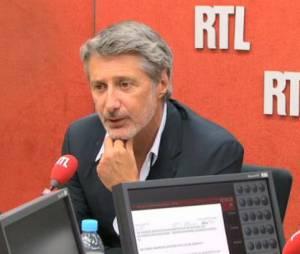 Le Grand Journal : Antoine de Caunes anime l'émission depuis le 26 août
