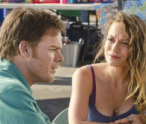 Bethany Joy Lenz aux côtés de Michael C. Hall dans Dexter