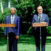 Nelson Mandela mort ? Bush père l'enterre trop tôt